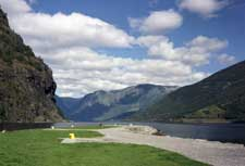 Flam and the Aurlandsfjord - countrybagging.com