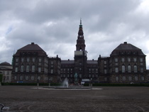 Christiansborg Palace - www.countrybagging.com