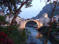 The bridge in Mostar - countrybagging.com